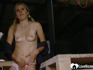 Arousing blond babe enjoys teasing the camera