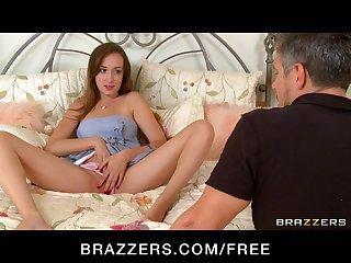Brazzers - HOT teen Victoria Rae Black fucks big-dick