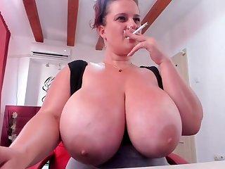 Huge breast mommy on webcam - hot amateur porn