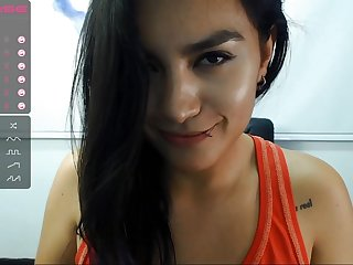 amateur latina babe chatting with me online