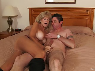 Mature gets her hands on the tastiest dick she had in ages