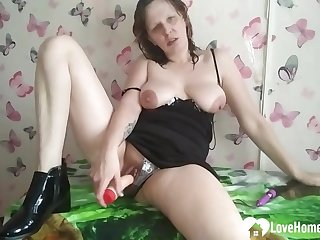 Kinky mommy cannot stop drilling her twat